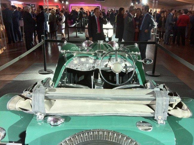 Jaguar SS 100 trasera detalle