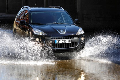 Peugeot 4007, datos e imágenes oficiales