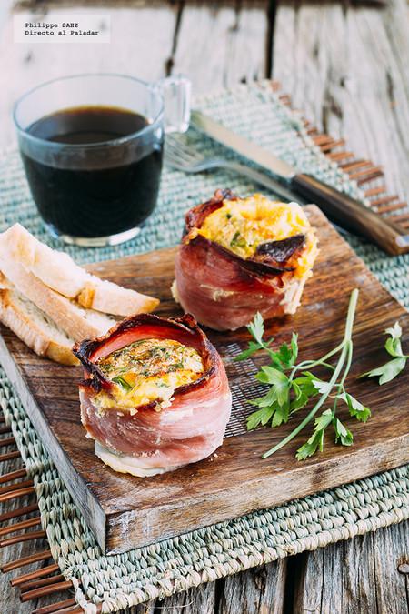 Huevos en cazuela de jamón serrano: receta de desayuno