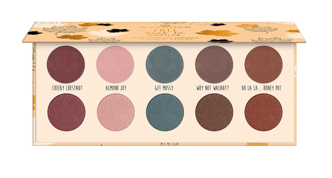 Ess Fall Back To Nature Eyeshadow Palette Open