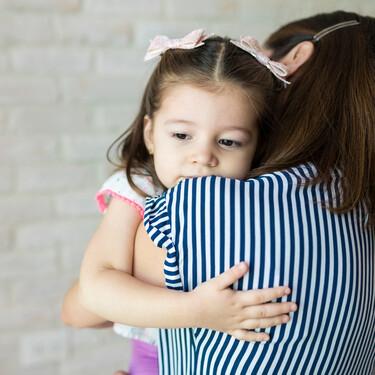 Cuando las cosas son inciertas, más que nunca, el mejor lugar para los hijos son nuestros brazos