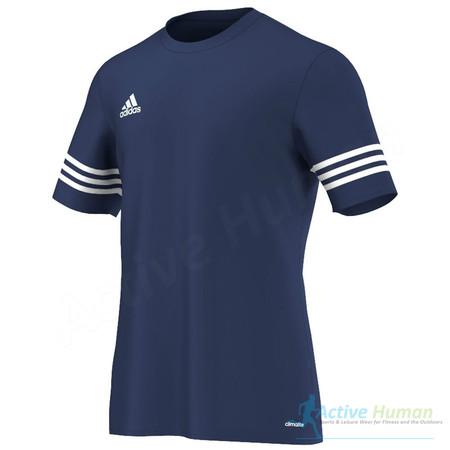 Desde 10,62 euros podemos hacernos con la  camiseta de entrenamiento para fútbol Adidas Climalite en Amazon