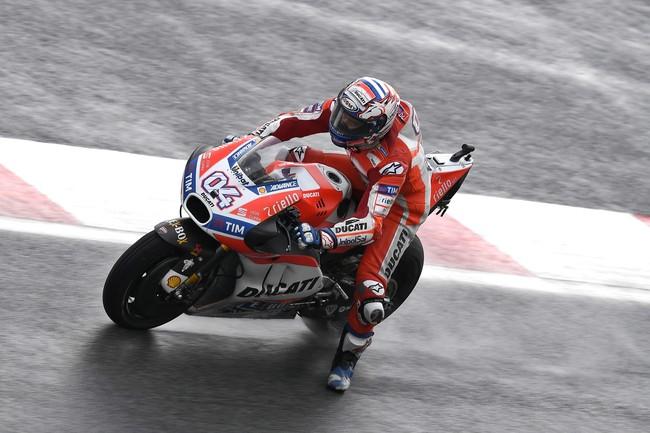 Dovizioso lidera el viernes con mano de hierro, y todas las Ducati contra Márquez