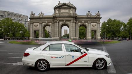 El taxi y los VTC llevarán gratis a los sanitarios para sus visitas domiciliarias en Madrid, foco del coronavirus en España