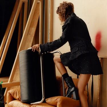 El tweed de color negro (brillante) inunda la nueva colección de Zara con elegancia y una pizca de originalidad