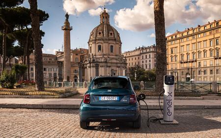 Fiat premia con criptomonedas a los propietarios de su coche eléctrico Fiat 500e: solo tendrán que conducirlo