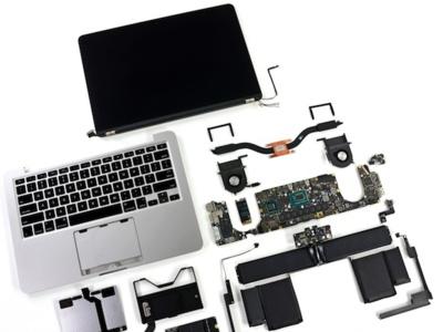 iFixit encuentra algunas ligeras mejoras de reparabilidad al desmontar el MacBook Pro retina de 13 pulgadas