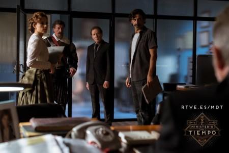 'El Ministerio del Tiempo' se despide del año con un jugoso tráiler de la segunda temporada