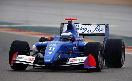 Carlos Huertas vence en una segunda carrera de la Fórmula Renault 3.5 en Aragón muy descafeinada