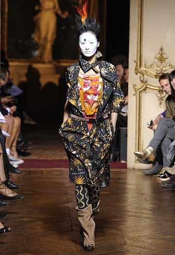 Foto de Vivienne Westwood Primavera-Verano 2010 en la Semana de la Moda de París (8/21)
