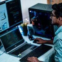 De los mitos y leyendas de pasar horas delante del ordenador hay pocos que creerse