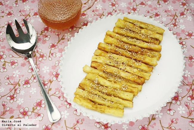 Palitos de berenjena con miel