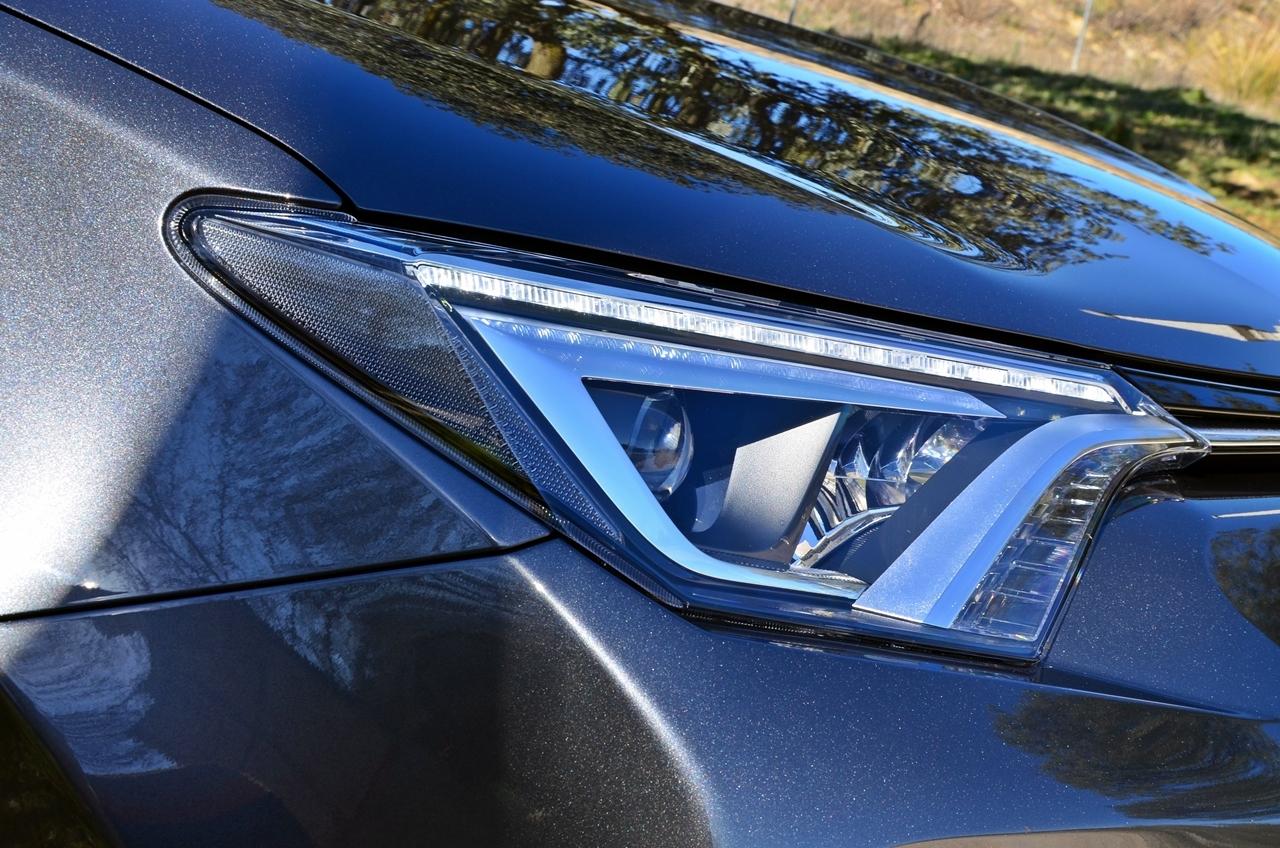 Foto de Toyota RAV4 150D Advance (38/75)