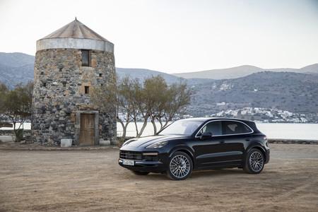 Porsche Cayenne Turbo 2018 345