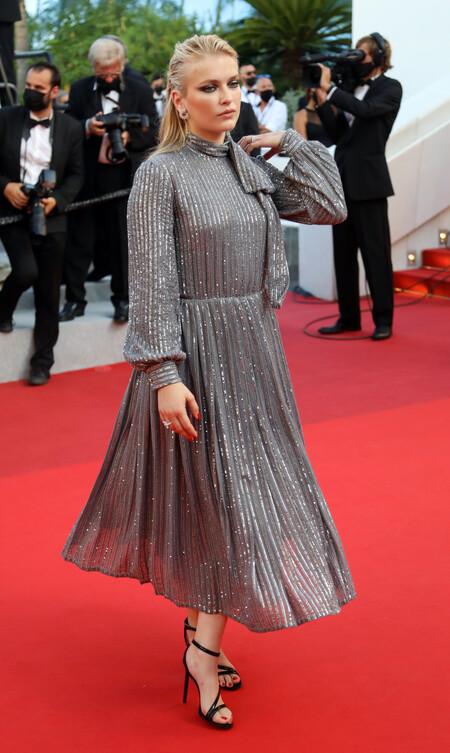 Camille Razat alfombra roja cannes 2021