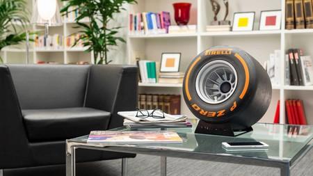 Este altavoz Bluetooth con forma de rueda de Fórmula 1 es lo último de iXOOST y Pirelli Design