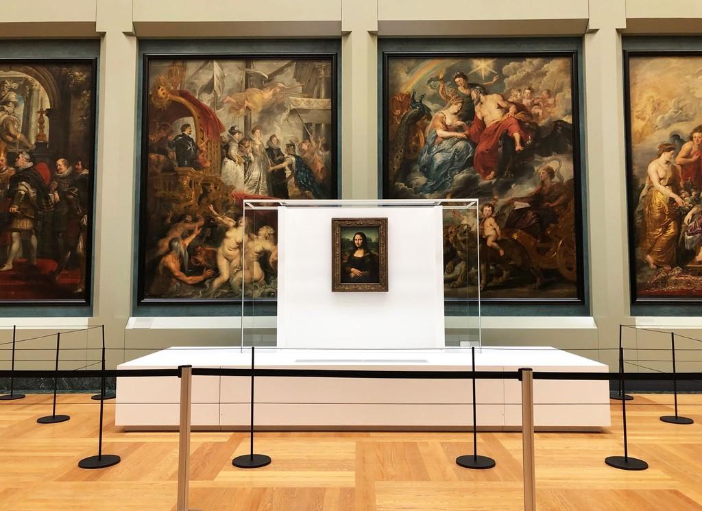 El Louvre cambia a la Mona Lisa de sala y desata el caos