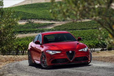 Fotos y más fotos del Alfa Romeo Giulia... para seguir haciendo boca