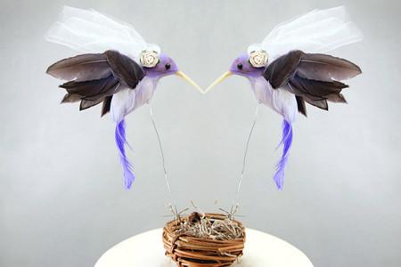¿Boda a la vista? Añade un toque romántico a la tarta con estos preciosos cake toppers
