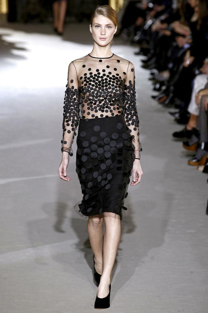 Foto de Stella McCartney Otoño-Invierno 2011/2012 en la Semana de la Moda de París:  (10/25)