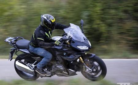 ¿Qué es el 'efecto pantalla' y por qué es tan peligroso para las motos?