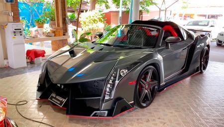 Si no te llega para un Lamborghini Veneno en Tailandia te hacen uno si tienes un Toyota MR2 (o algo parecido)