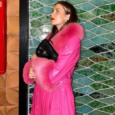 El street style dictamina que el rosa (fucsia) es el color favorito para vestir a todas horas