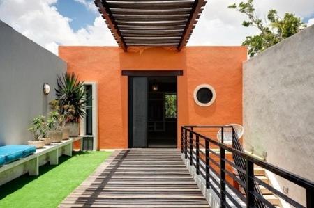 Puertas abiertas: una casa en México renovada con herramientas mayas