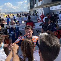 """Marc Márquez volvió al podio en MotorLand pero no pudo con Pecco Bagnaia: """"Prefería intentarlo aunque me cayese"""""""