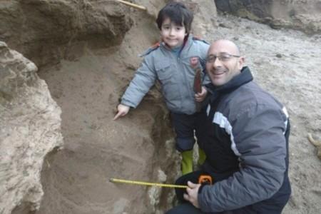 El paleontólogo más joven del planeta y de la historia tiene cuatro años y ha encontrado unos fósiles de más de ¡500.000 años!