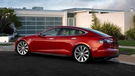 El Tesla Model S vuelve a reducir su precio en Europa