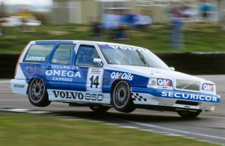 Estamos de celebración, el mítico Volvo 850 cumple 25 años