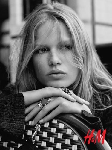 Anna Ewers es la chica de moda, y H&M así nos lo muestra