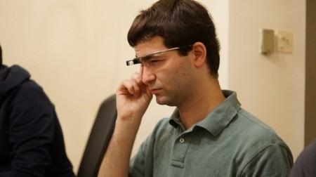 Las primeras aplicaciones de Google Glass: funciones muy sociales, pero muy básicas