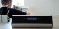 OXX Digital presenta dos radios por Internet