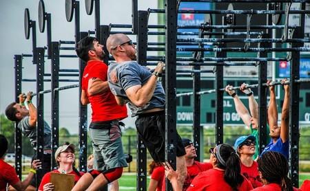 Qué es el entrenamiento EMOM de CrossFit, y cinco WOD's que siguen este tipo de trabajo