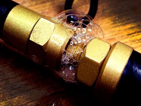 Cómo detectar fugas de gas en tu cocina y en casa y qué hacer en saco de estas para evitar accidentes