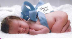 Los recién nacidos reciben casi 2.000 euros en regalos según un estudio