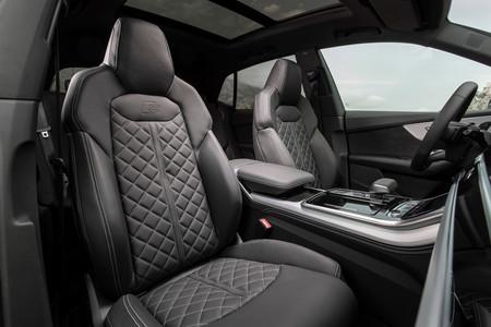 Audi Q8 interior y asientos