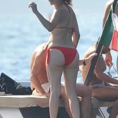 Foto 9 de 31 de la galería famosas-en-bikini-2009-segunda-parte en Poprosa