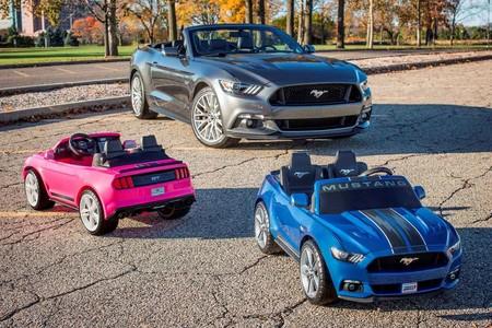 El Ford Power Wheels Smart Drive Mustang es el regalo que estás esperando para Navidad