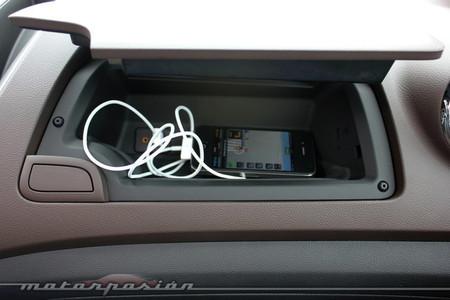 Chevrolet Trax 2013, guantera para iPhone