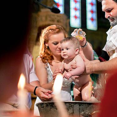Un bebé de seis semanas muere ahogado tras ser sumergido en agua durante su bautizo ortodoxo