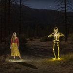 'She lights the night': Una fantasía rítmica producida con light painting y stop motion