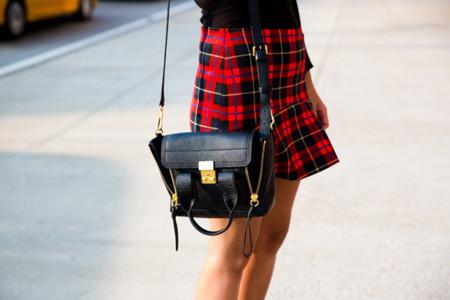 ¿Se convertirán las faldas a cuadros de Zara en la nueva skort?