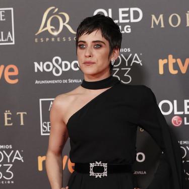 Premios Goya 2019: María León triunfa a lo grande con un mono capa
