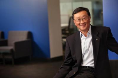 John Chen defiende el cambio de estrategia de BlackBerry: sus teléfonos llegarán a más mercados