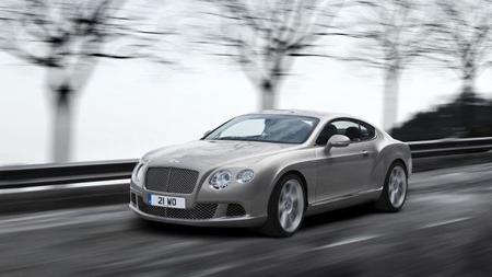 Bentley está considerando producir un auto más barato