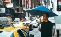 Qué ganas de que llueva y poder lucir el paraguas Origami de Nooka