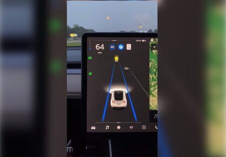 El Autopilot de un Tesla confunde la Luna con un semáforo amarillo: una prueba más de que la conducción autónoma completa aún está lejos